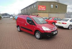 CITROEN BERLINGO - LX 3 SEATER - THE BEST AVAILABLE - SUPERB CONDITION - BRIGHT RED - NO VAT