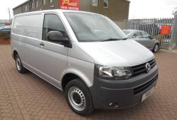 VOLKSWAGEN TRANSPORTER T5 2013 - SWB - AIR CON -<br>TAILGATE - 140ps - T32 - SILVER - ONE OWNER FSH