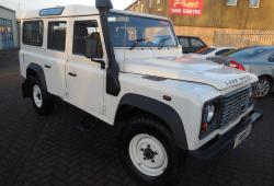 LAND ROVER  TD5<br>110 DEFENDER STATION WAGON