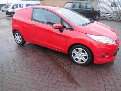 FORD FIESTA SPORT VAN - AIR CON - FSH - ONE OWNER - BRIGHT RED - 95ps